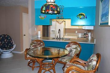 Pet Friendly Charming Cottage by the Gulf