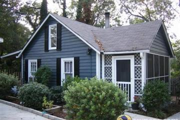 Pet Friendly Small Cottage with Yard for Pets