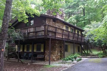 Pet Friendly Secluded Mountain Chalet