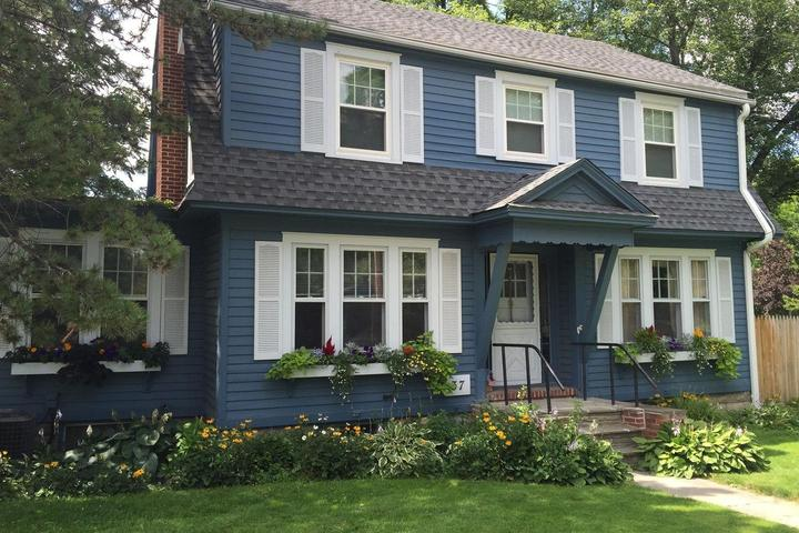 Pet Friendly Vacation Rentals in East Aurora, NY - Bring Fido