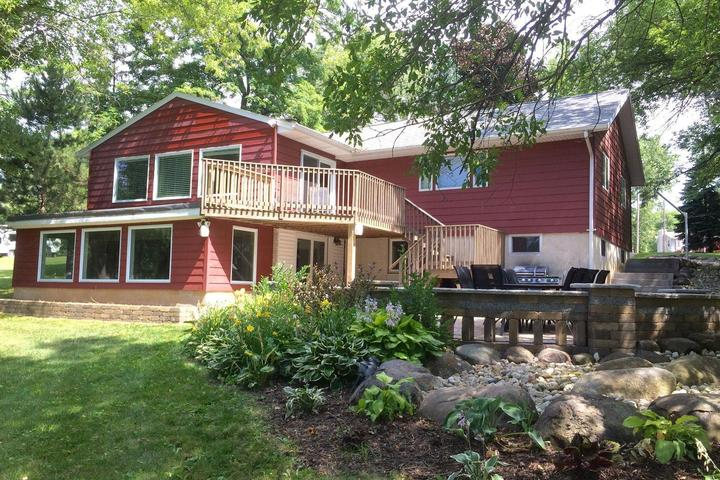 Pet Friendly Vacation Rentals in Waterford, WI - Bring Fido
