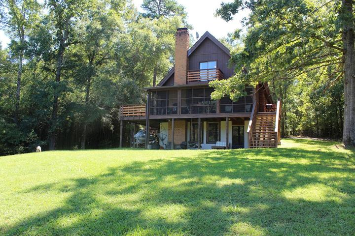 Pet Friendly Vacation Rentals In Greensboro Ga Bring Fido