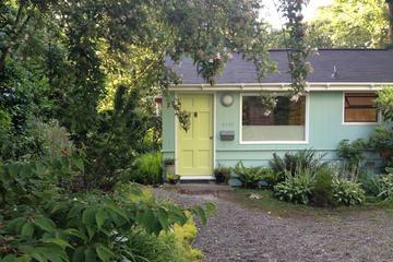 Pet Friendly Zen Garden Oasis