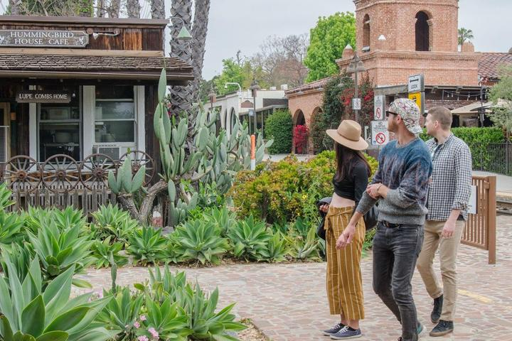 Pet Friendly Stroll SoCal History and Haunted Homes