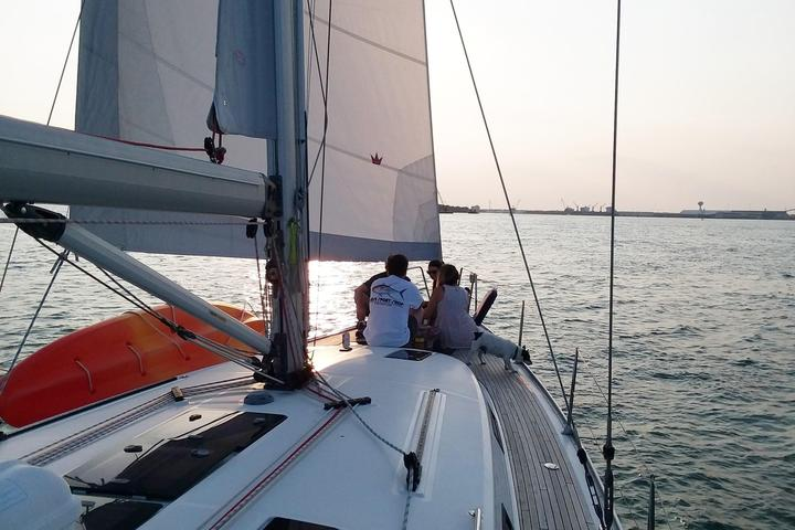 Pet Friendly Sailing Harbor Cruise