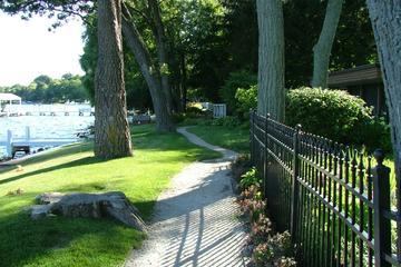 Pet Friendly Lakeshore Path