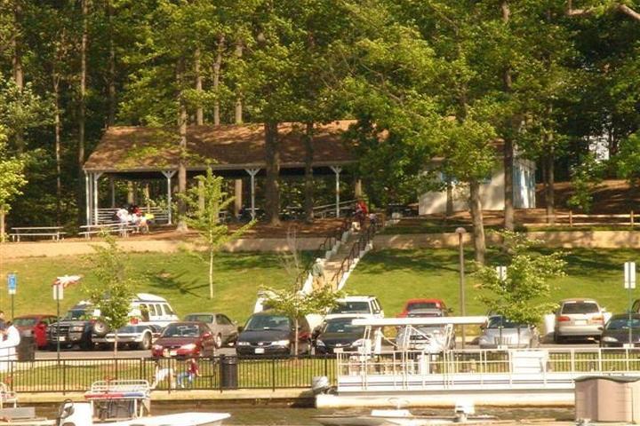 Pet Friendly Lake Accotink Park