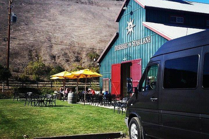 Pet Friendly Golden Rooster Transportation & Wine Tours