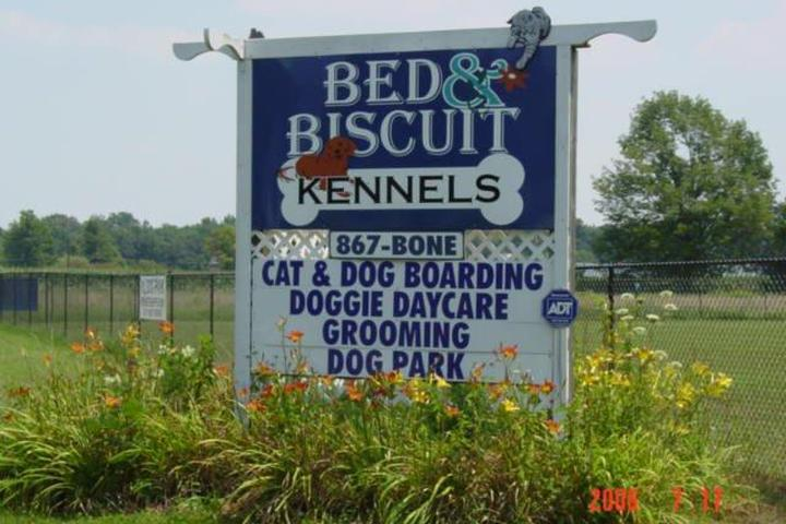 Pet Friendly Bed & Biscuit Dog Park