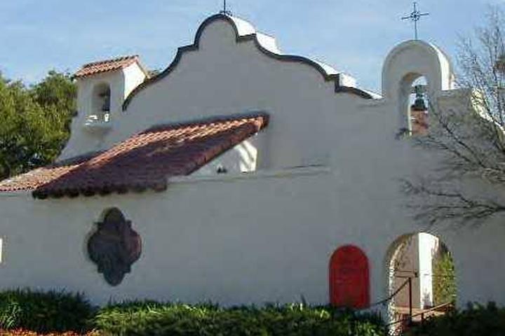 Pet Friendly Saint Luke's Episcopal Church