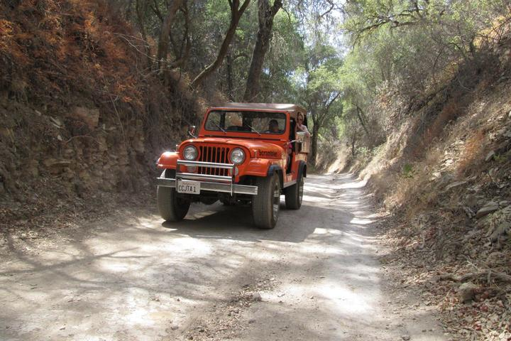 Pet Friendly Paso Wine Tour in a Classic Jeep