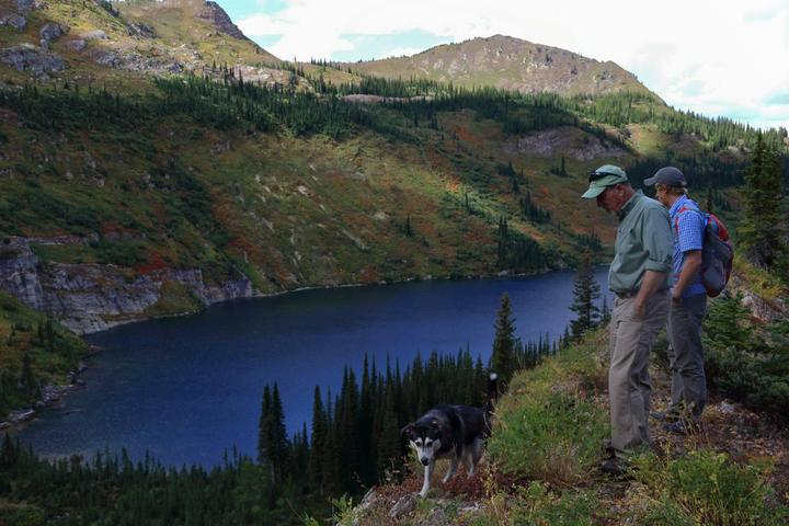 Pet Friendly Heart and Pearl Lakes Trail