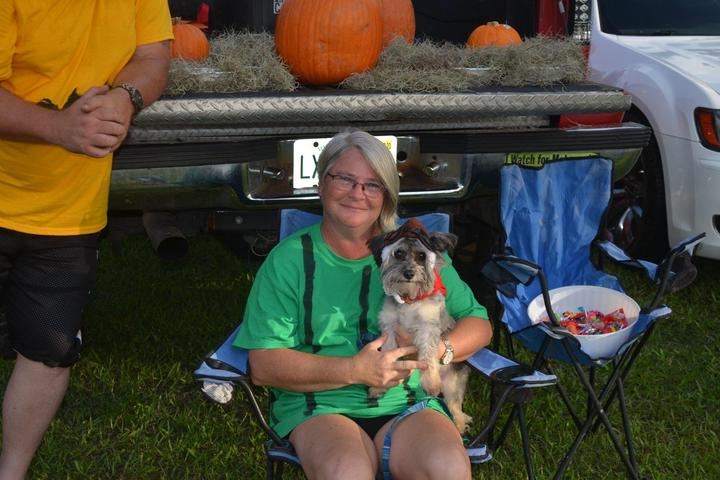 Pet Friendly Ruskin Family Drive-In Theatre
