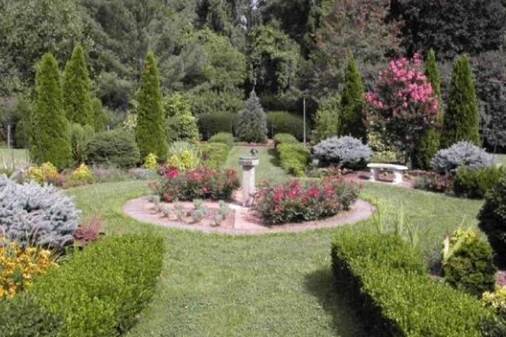 Pet Friendly Cylburn Arboretum