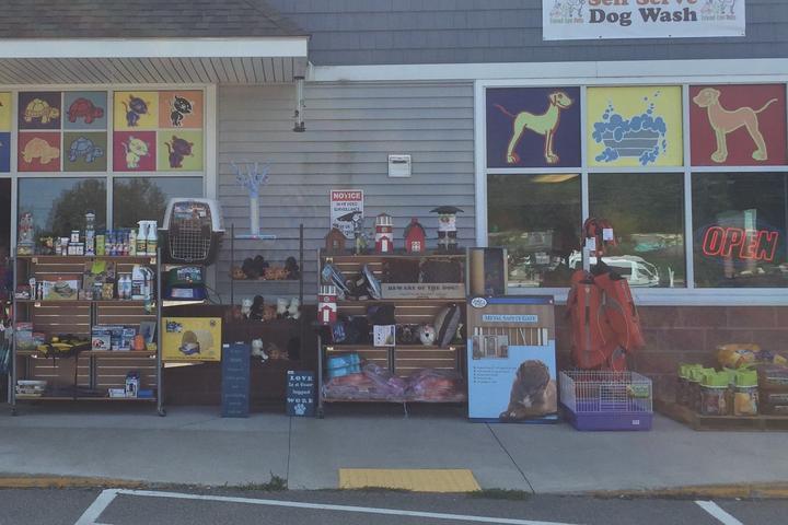 Pet Friendly Friend-Lee Pets Dog Park