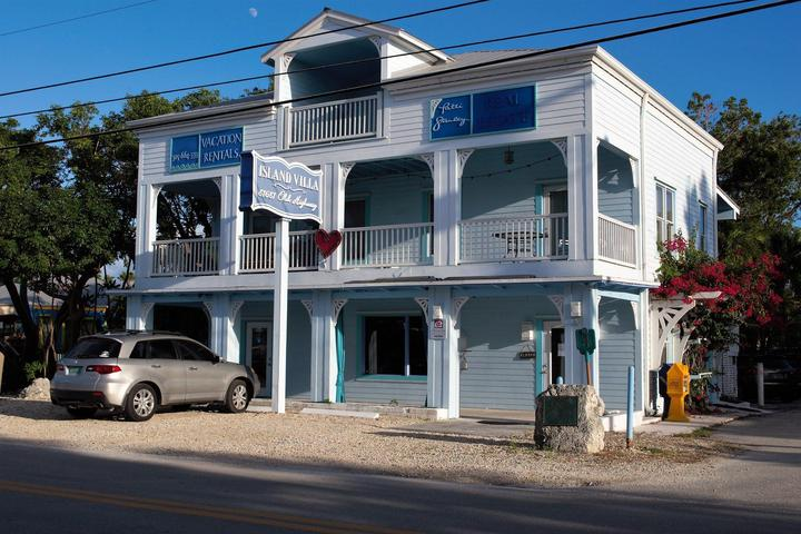 Pet Friendly Florida Keys History and Discovery Center Walking Tours