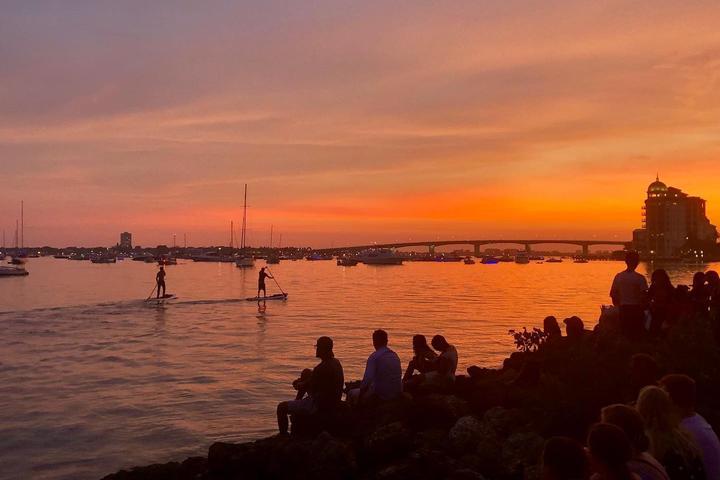 Pet Friendly Sunset Boat Rental
