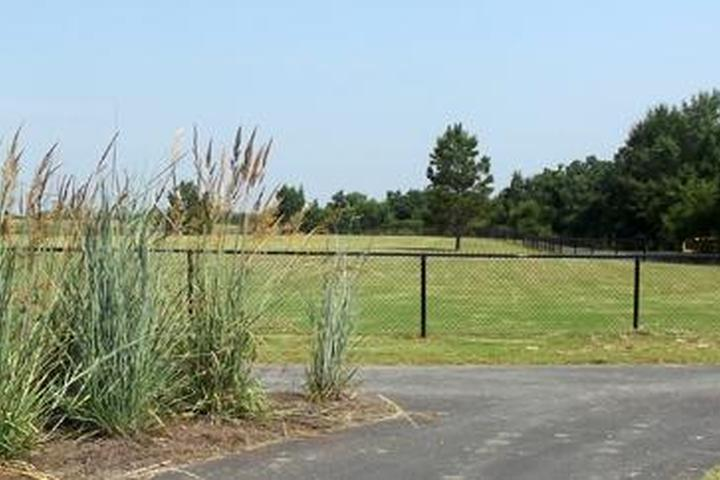 Pet Friendly Oxbow Support Facility Dog Park