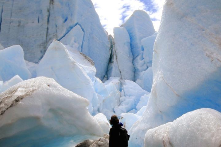 Pet Friendly Glacier Blue Kayak and Grandview Tour