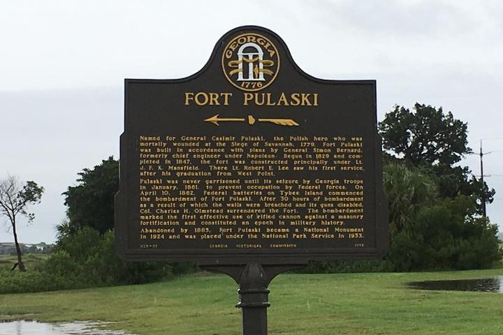 Pet Friendly Fort Pulaski National Monument