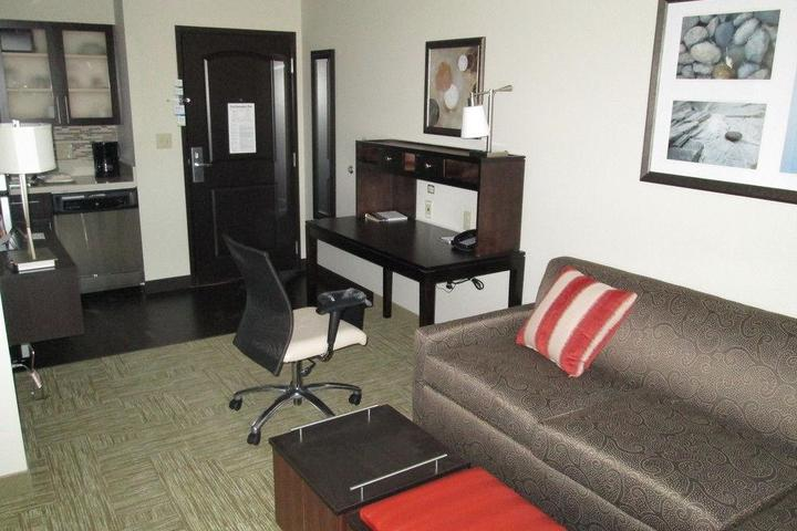 Pet Friendly Staybridge Suites Bowling Green