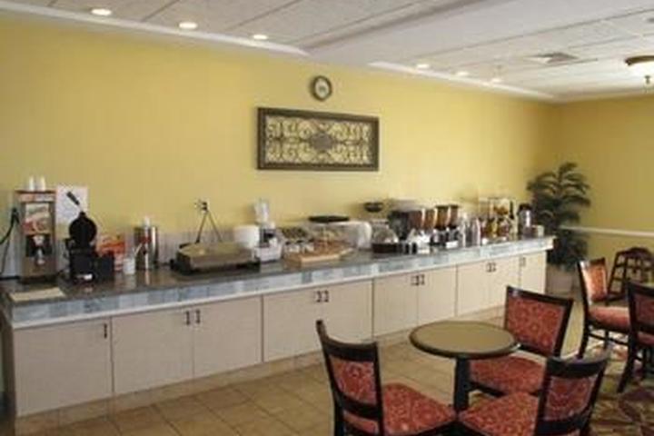 Pet Friendly La Quinta Inn & Suites Mobile Daphne