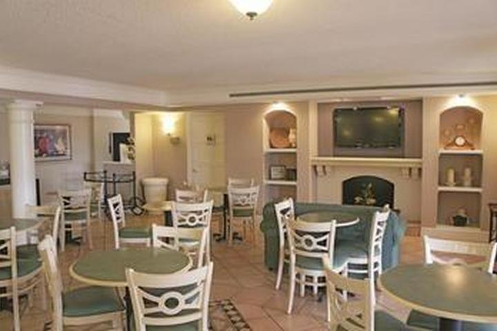 Pet Friendly La Quinta Inn Farmington