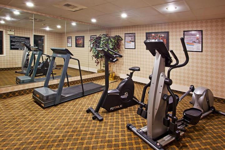 Pet Friendly Holiday Inn Express Hotel & Suites Huber Heights