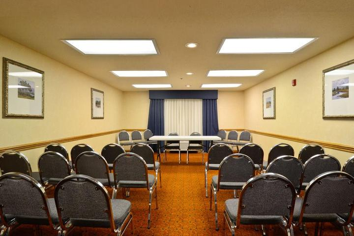 Pet Friendly Red Roof Inn & Suites Stafford