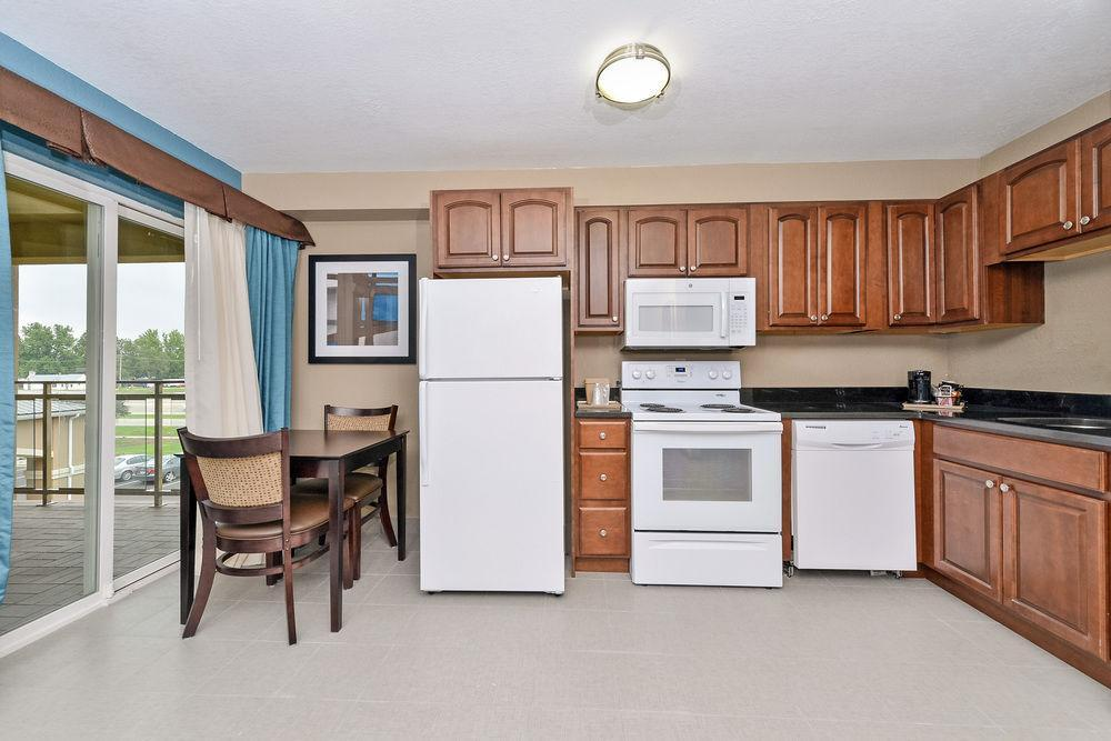 Comfort Inn Amp Suites Springfield Pet Policy