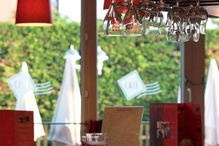 Pet Friendly Hotels In Calais Fr Bring Fido