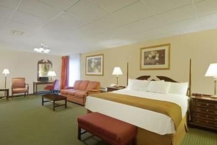 Pet Friendly SureStay Hotel by Best Western McPherson