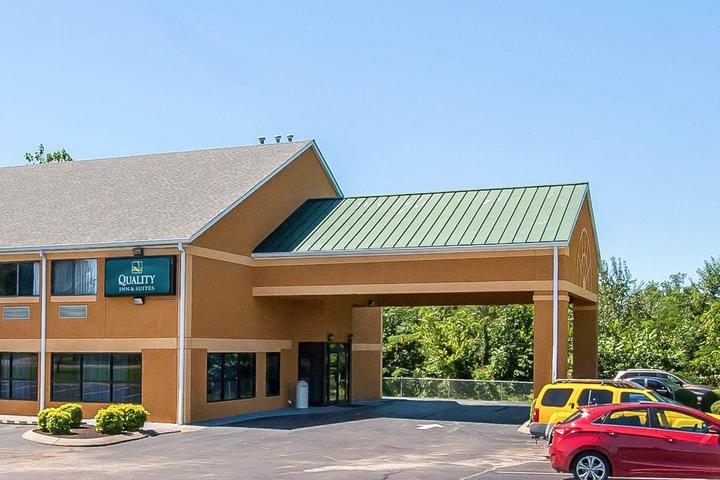 Pet Friendly Quality Inn & Suites Centerville