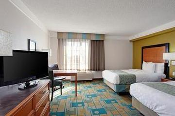 Pet Friendly La Quinta Inn & Suites Phoenix Chandler