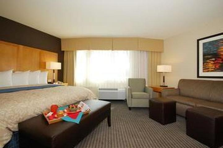 Pet Friendly Best Western Plus Marina Gateway Hotel