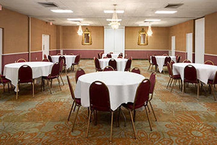 Pet Friendly Baymont Inn & Suites Salem Roanoke Area