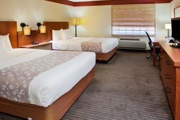 Pet Friendly La Quinta Inn & Suites Springdale
