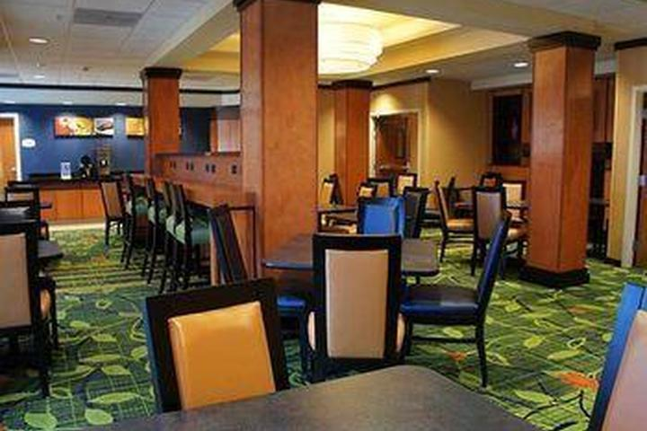 Pet Friendly Fairfield Inn Suites Redding