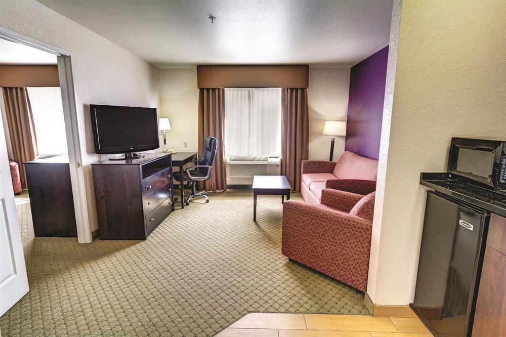 La Quinta Inn Amp Suites Spokane Pet Policy