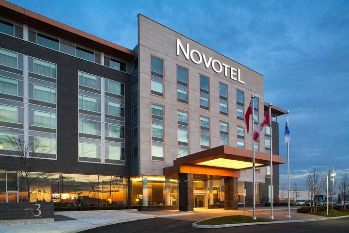 Pet Friendly Novotel Toronto Vaughan Centre