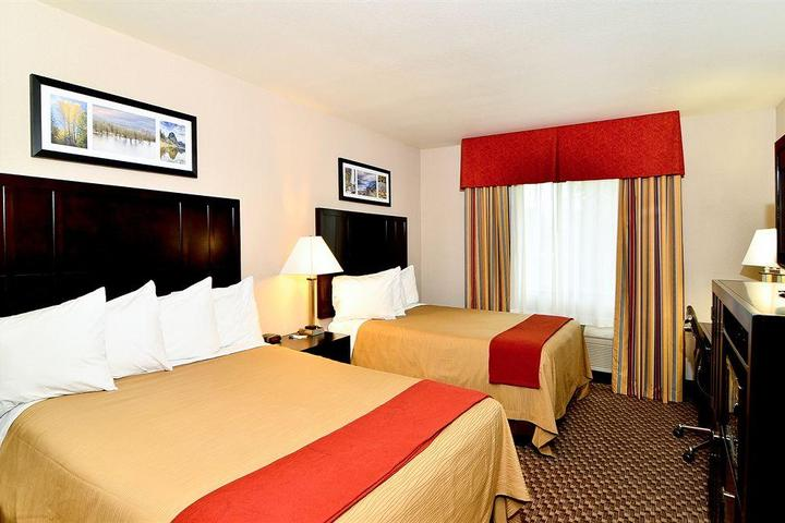 Pet Friendly Comfort Inn Troutdale