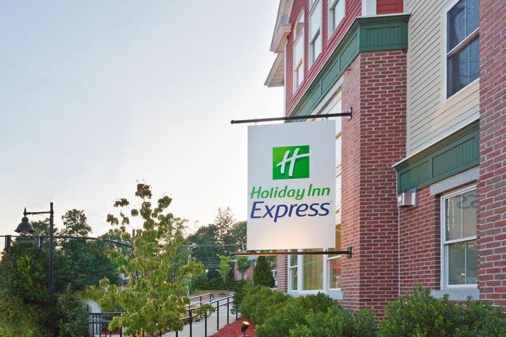 Pet Friendly Holiday Inn Express Durham
