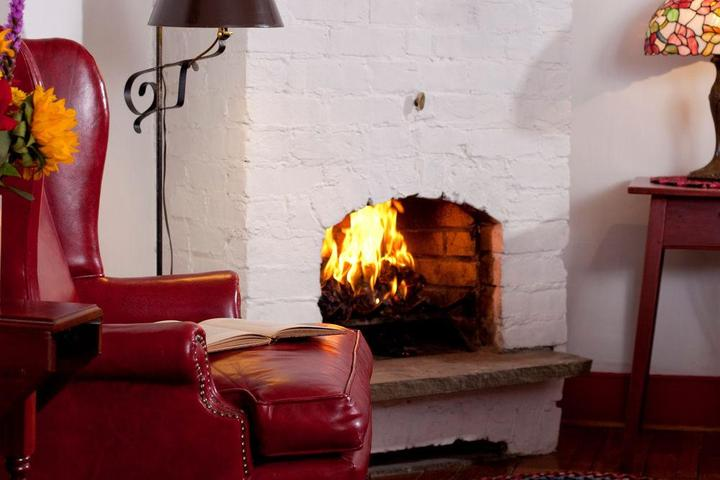 Pet Friendly Historic Smithton Inn