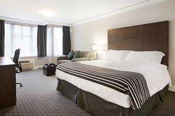 Pet Friendly Sandman Hotel Vancouver City Centre