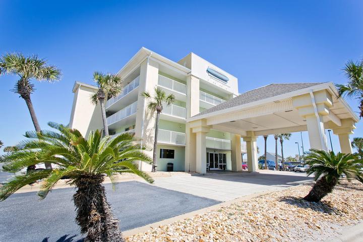 Pet Friendly Surf & Sand Hotel