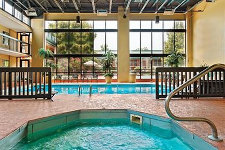 Pet Friendly Holiday Inn Blytheville