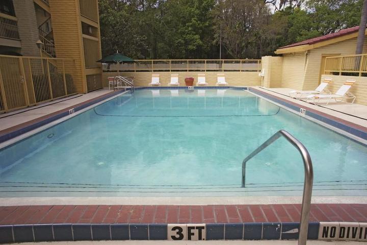 Pet Friendly La Quinta Inn Tampa Bay Pinellas Park Clearwater
