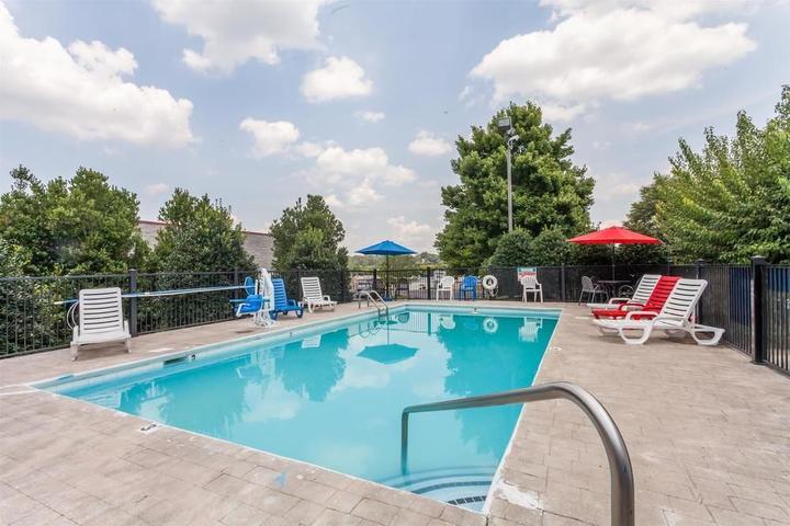 Pet Friendly Baymont Inn & Suites Columbia Maury