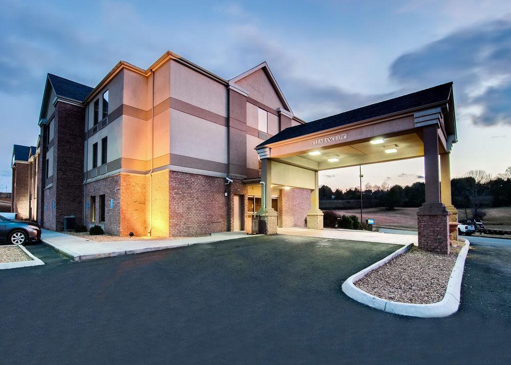 pet friendly hotels in christiansburg va bring fido rh bringfido com