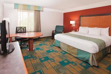 Pet Friendly La Quinta Inn & Suites Winston-Salem